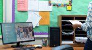Micro-Tower PC und Flachbildschirm