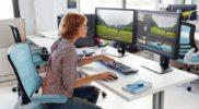 Workstation für Videobearbeitung mit zwei Flachbildschirmen